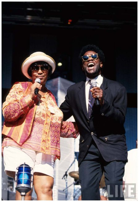 singers-aretha-franklin-and-al-green-performing-at-the-rock-roll-hall-of-fame-cleveland-oh-us-1995-dave-allocca
