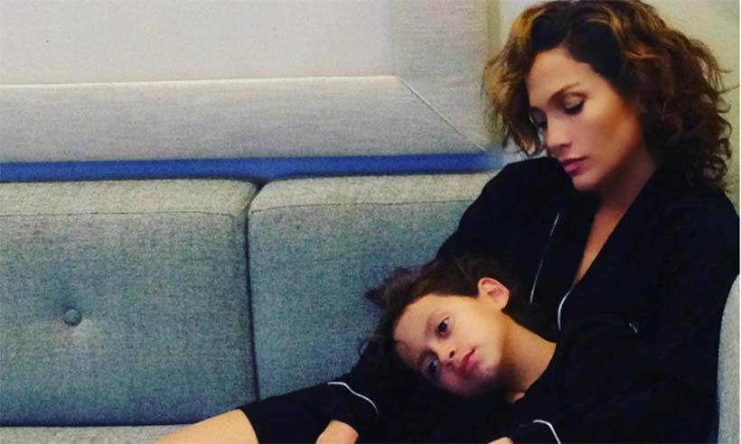Jennifer-Lopez-twins1-t