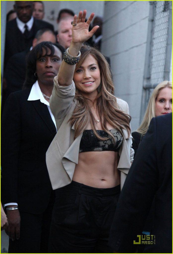 Jennifer Lopez waves to fans as she is leaving Best Buy in Los Angeles, CA. Pictured: Jennifer Lopez Ref: SPL269572 190411 Picture by: Jen Lowery / Splash News Splash News and Pictures Los Angeles: 310-821-2666 New York: 212-619-2666 London: 870-934-2666 photodesk@splashnews.com