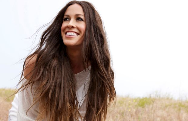 alanis_morissette_bavoc_and_bright_lights_publicity_-courtesy_maverick_recordsjpg