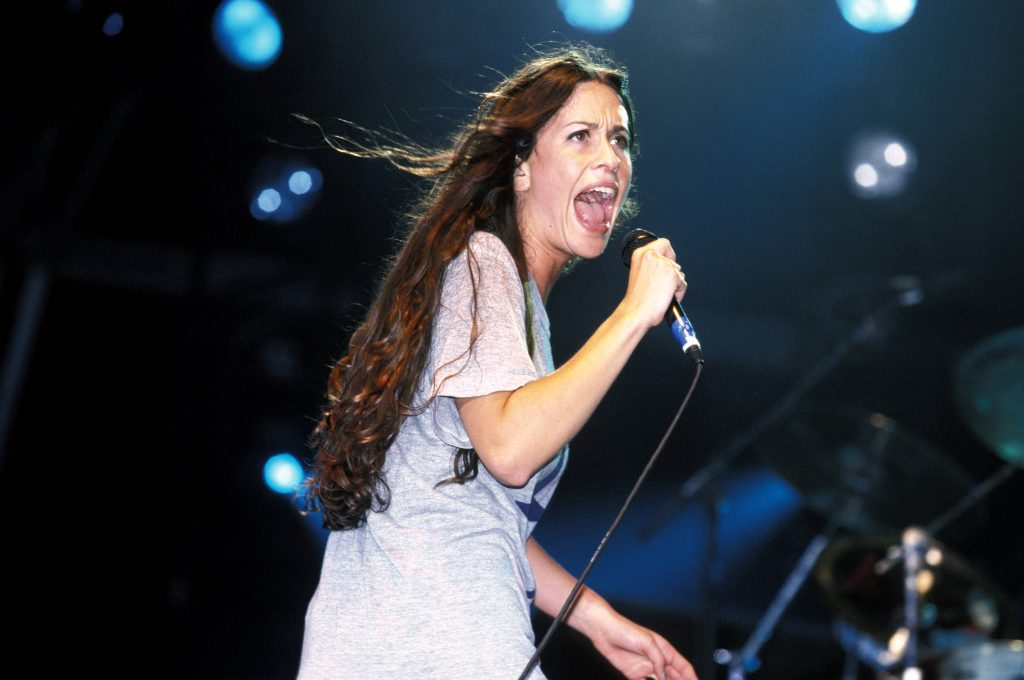 UNITED KINGDOM - JANUARY 01: PHOENIX FESTIVAL Photo of Alanis MORISSETTE (Photo by Mick Hutson/Redferns)