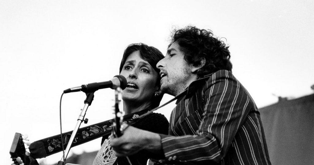 rs-247325-RS-Bob-Dylan-and-Joan-Baez