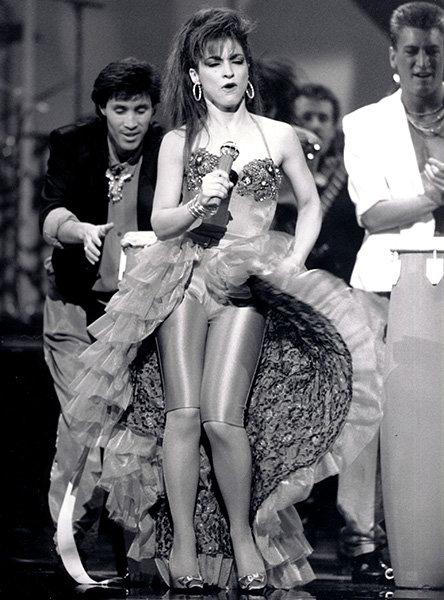 amas-anniversary-gloria-estefan-1988-600