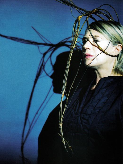 021-marianne-faithfull-theredlist