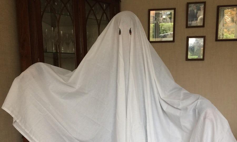ser un poco fantasma