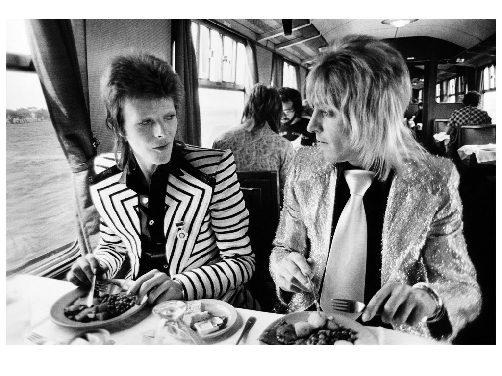 davidbowie-mickronson-lunch20on20train1973cmickrock