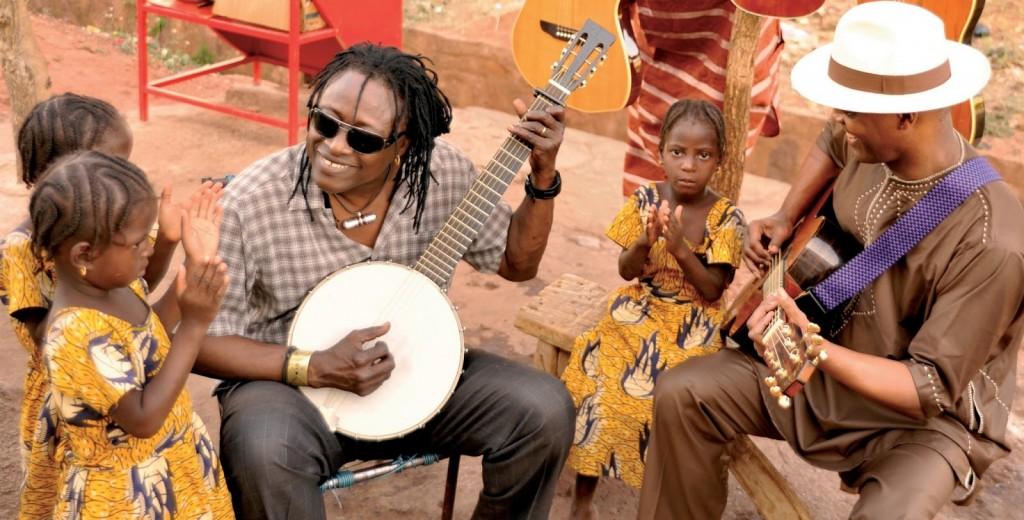 Habib Koité & Eric Bibb - Brothers in Bamako_inside