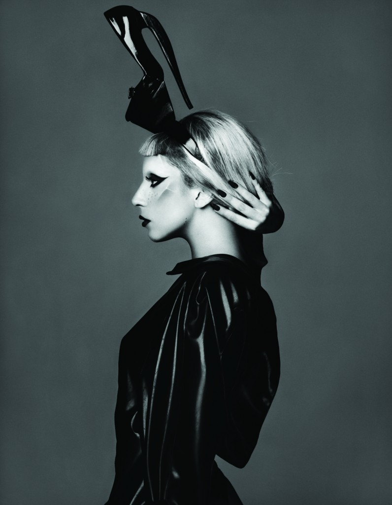 Lady_Gaga_-_Born_This_Way_05_credit_Mariano_Vivanco