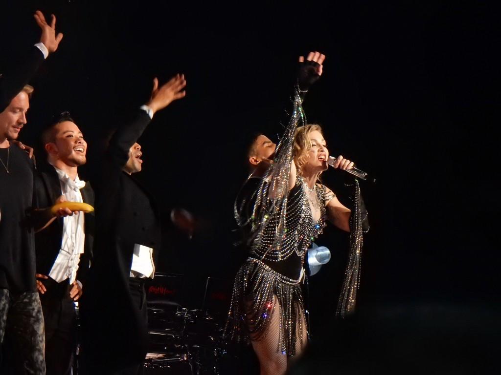 Madonna-Rebel-Heart-Tour-Montreal-104