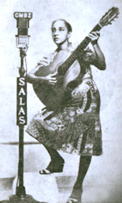 Maria-Teresa-en-Radio-Salas-2