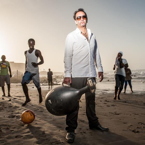 Senegal. Dakar. Enregistrement de l'album de Mehdi Haddab. Oud.
