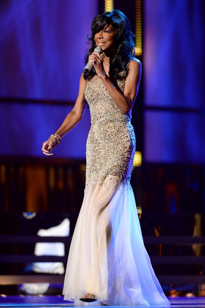 LAS VEGAS, NV - NOVEMBER 21: Singer Natalie Cole performs during the 14th annual Latin GRAMMY Awards at the Mandalay Bay Events Center on November 21, 2013 in Las Vegas, Nevada. (Photo by Ethan Miller/Getty Images for LARAS)