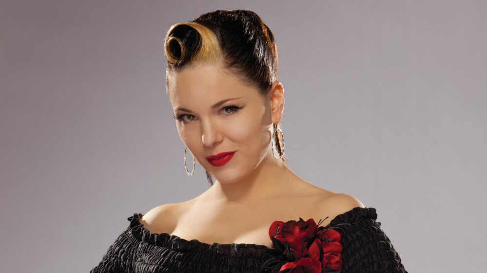 Irish rockabilly singer Imelda May