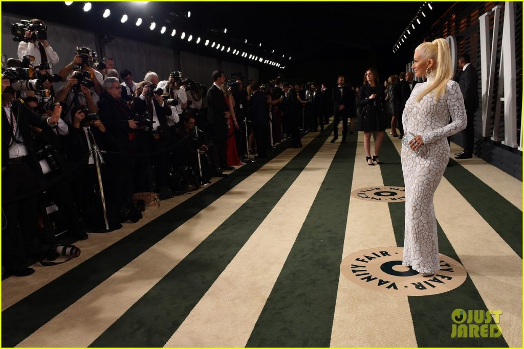 BEVERLY HILLS, CA - FEBRUARY 22: Recording Artist Christina Aguilera attends the 2015 Vanity Fair Oscar Party hosted by Graydon Carter at the Wallis Annenberg Center for the Performing Arts on February 22, 2015 in Beverly Hills, California. (Photo by Larry Busacca/VF15/Getty Images)