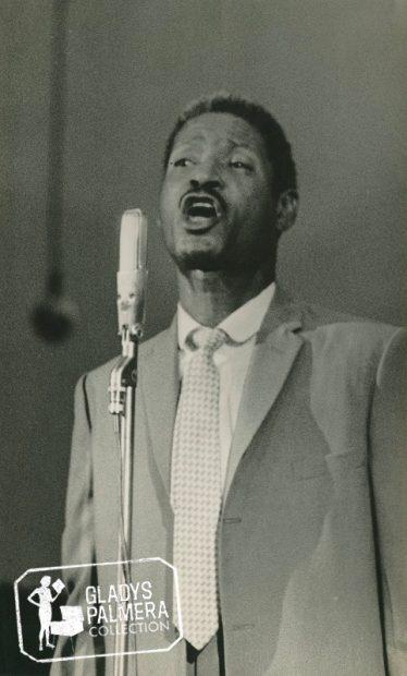 Benny Moré cantando