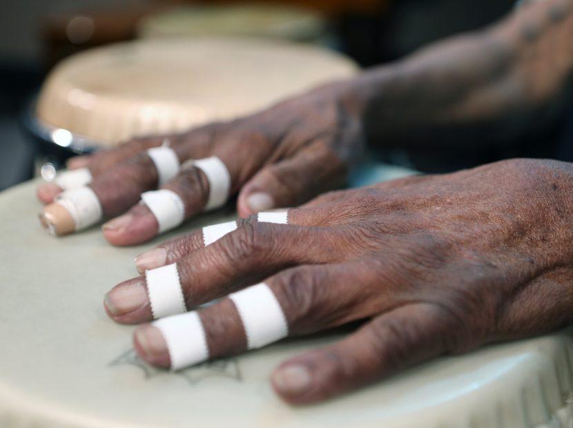Cándido manos